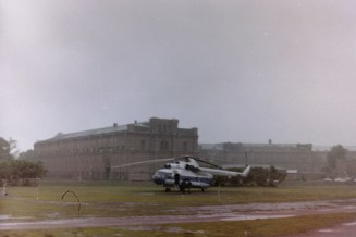 Sankt Petersburg – der Rundflug über die Stadt (Sonderpreis für 20 $) mit einem alten Hubschrauber war für uns bei der Klassenfahrt ein riesiges Abenteuer.