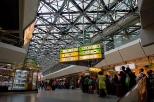 TXL - Bis der neue Berliner Flughafen fertig ist, herrscht auf dem Flughafen Berlin Tegel wuseliger Betrieb