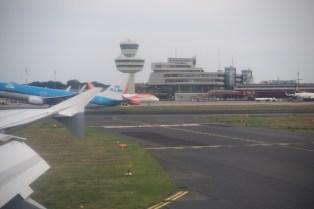 TXL - Startende und landende Flugzeuge auf dem Flughafen Berlin Tegel