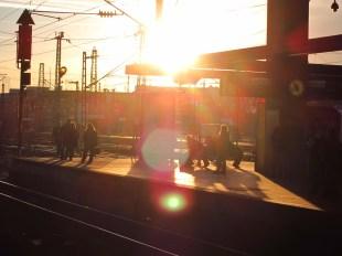 Düsseldorf Hbf im Abendlicht