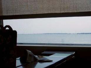 Mit dem Zug über die Lagune. Wenn man dann die Türme von Venedig sieht, ist es immer ein Fest.