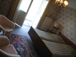 Ehnen, Luxemburg - ein sehr altes wunderschönes Hotel an der Mosel (1. Zimmer)