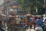 Verkehrsgewusel in New Delhi, bei der Roten Moschee