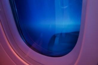 KL 877 - Abgetönte Fenster im Dreamliner unterwegs von Amsterdam nach Bombay