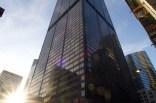"""In der """"Zeit der langen Schatten"""" am späten Nachmittag wird der Willis Tower gerade noch so beschienen"""
