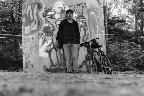 Mit Mountainbike unter der Südbrücke, Selbstauslöser