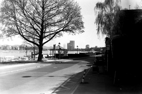 ADOX KB17 - Am Rheinufer, Promenade in Bonn
