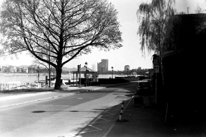 ADOX KB17 - Am Rheinufer, Promenade in Bonn