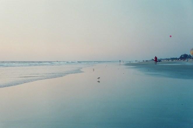 Abendlicht am Strand mit kleinem pinken Bildfehler
