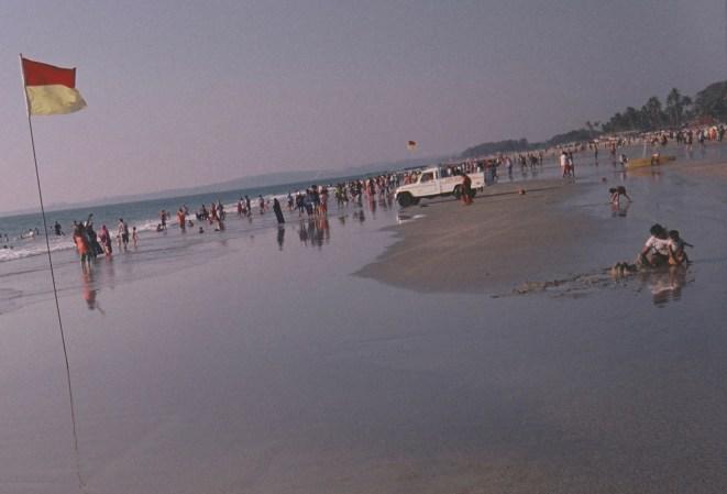 Badende Familien in Colva Beach