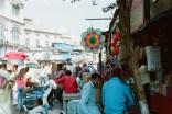 Buntes Windrad an einem Stand im Bazaar District