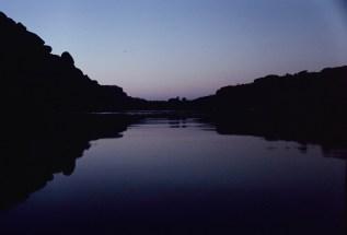 Letztes Licht, Abends am Fluss in Hampi