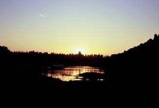 Sonnenuntergang hinter dem Virupaksha Temple in Hampi