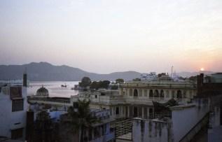 Udaipur - Blick von einer Dachterasse India 2006 Fuji Superia 200