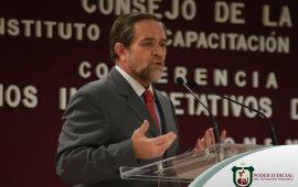 Dicta conferencia magistral Ministro Jorge Mario Pardo en la sede del Poder Judicial del Estado de Veracruz.