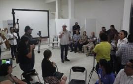 Gobernaré con la gente: Víctor Carranza