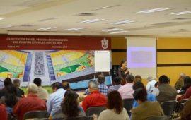 """María L. Viveros impartió el curso """"Técnicas para la redacción de documentos jurídicos""""."""