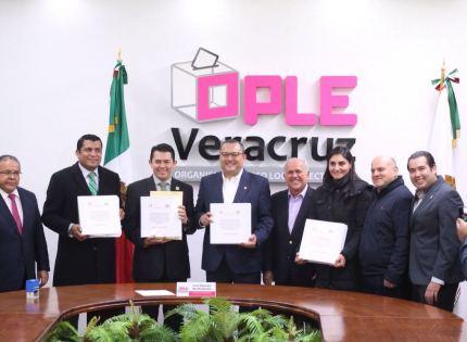 """PRI y PVEM presentan coalición """"Por un Veracruz Mejor"""" ante el OPLE Veracruz"""