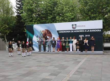 Participa la Sala Constitucional en la ceremonia de Honores a la Bandera