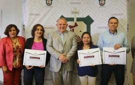 Reconoce Poder Judicial del Estado de Veracruz a servidores públicos con 20 años de servicio