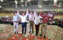 Con el corazón en la mano, quiero pedirle al corazón de Veracruz que nos ayuden a recuperar el camino: ¡Pepe Gobernador!