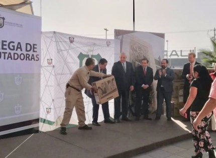 Entregan equipo de cómputo a servidores públicos del Distrito Judicial de Xalapa