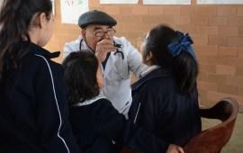 Coordina SS atención médica a estudiantes de primaria, en Perote