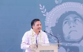 """Mi gobierno trabaja para acabar con la inseguridad que """"tunde"""" a Veracruz:, Cuitláhuac García"""