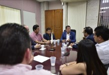 Recibe diputado José Manuel Pozos a miembros de la Canaco