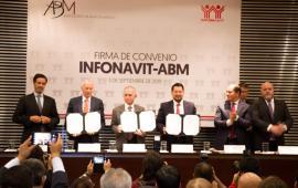 El Infonavit y la ABM firman convenio para mejorar las condiciones del crédito a la vivienda