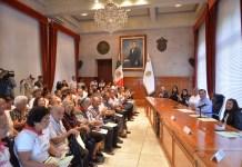 Para unir familias, Gobernador Cuitláhuac entrega visas a padres de migrantes