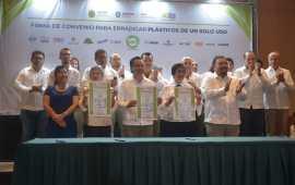 Gobierno de Veracruz y empresas firman alianza para erradicar plásticos de un solo uso
