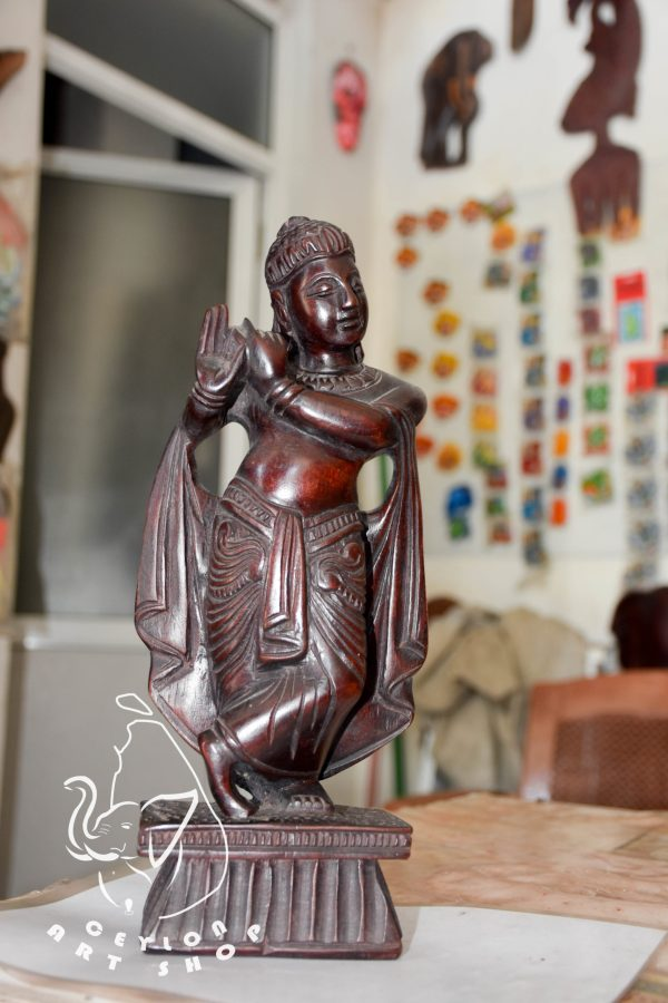 home decor statue