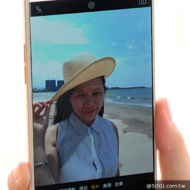 手機拍照遇逆光這樣做!三招助你捕捉夏日記憶