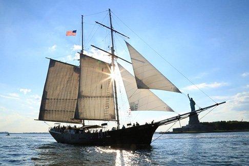 Clipper City - Daytime Statue Sail