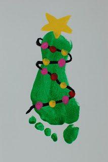 Penguin Christmas Cards Footprint.12 Diy Christmas Cards Using Footprints Via Pinterest