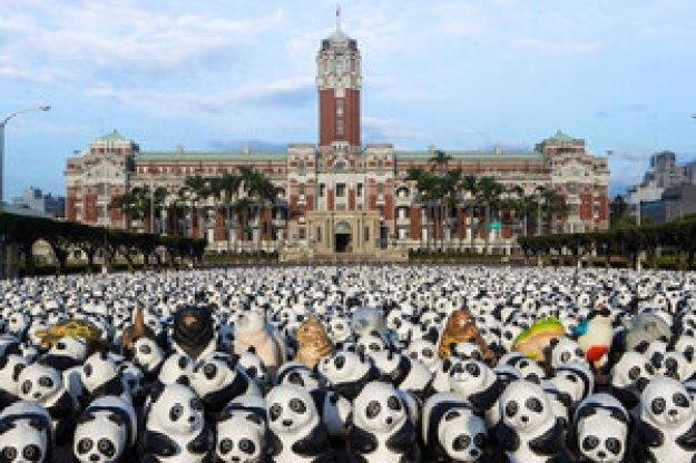 1600-pandas-in-hong-kong-designboom-08