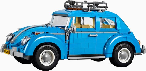 LEGO-creator-expert-VW-beetle-designboom-021-818x398