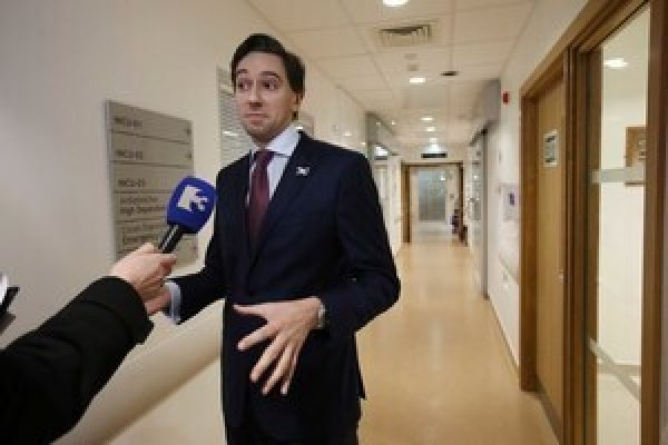 File Photo Simon Harris 'ashamed' and 'heartbroken' but defends government on waiting lists. End. 25/11/2016. National Maternity Hospital. Fine Gael Minister for Health Simon Harris talking to the media while meeting the parents and babies in the National Maternity Hospital (Holles St) in Dublin. Following the announcementthat an agreement has been reached between the National Maternity Hospital (NMH) and St Vincents Hospital Group on the redevelopment of the NMH on the Elm Park campus. The Minister took a tour of the National Maternity Hospital (Holles St) in Dublin before the eventual plan to move it to the new National Maternity Hosptial in St. Vincent's Hosptial which the Minister hopes will be ready to accept mothers in 2021. Photo: Sam Boal/Rollingnews.ie