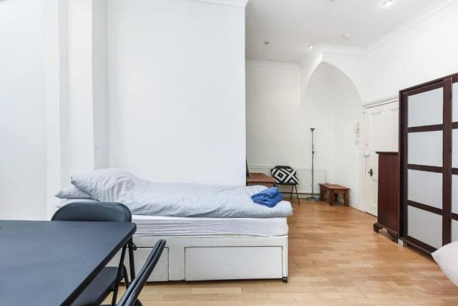 Large Central Studio Apartment Close