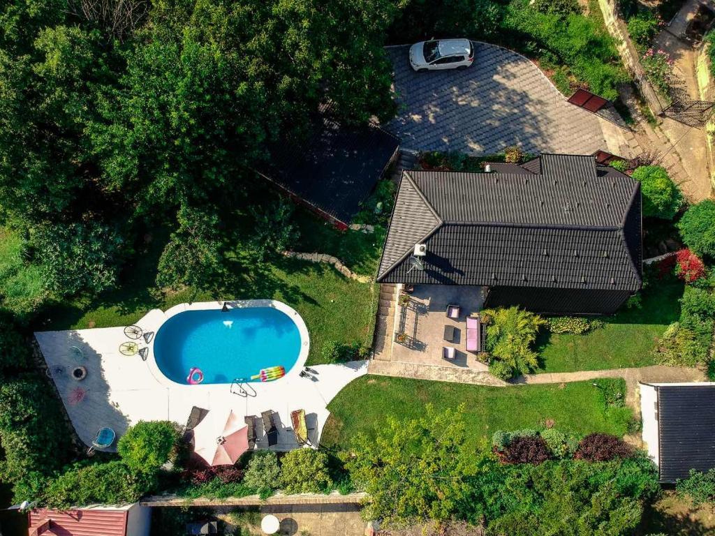 riverside pool villa novi sad