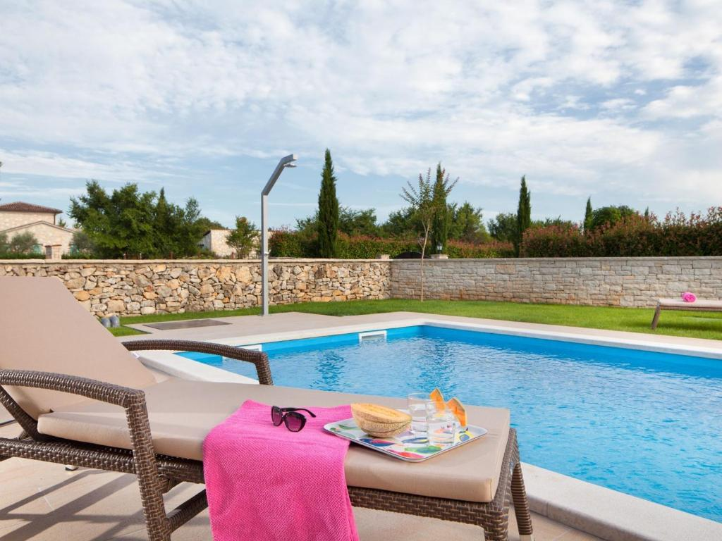 spacious detached villa with private