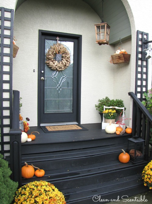 Decorate Your Porch For Fall Read More Outdoor Decorating Ideas
