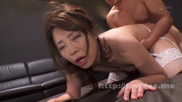 [HD][CESD-977] 素人妻が初めてのアナルファック!四十路妻いおりが2穴ファックで狂ったように肛門絶頂!