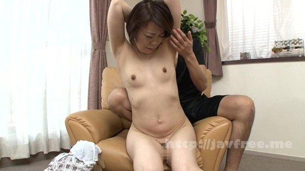 [HD][CVDX-312] 「お母さんの乳首取れちゃう…」と言われても追撃愛撫!貧乳!コリコリ敏感ちくび 摘んで捻って弄りっぱなし!!30人4時間