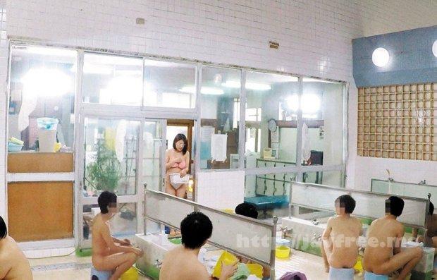 [DVDMS-250] 一般男女モニタリングAV 巨乳人妻さん 15年ぶりのビキニ姿で男湯に入って体育会系(アスリート)男子学生と初めての密着泡洗体してみませんか?「おばさんなんかで興奮してくれてるの…?」下乳がハミでるほどの大きなおっぱいで筋肉ムキムキ若ち○ぽはフル勃起!たまらず…