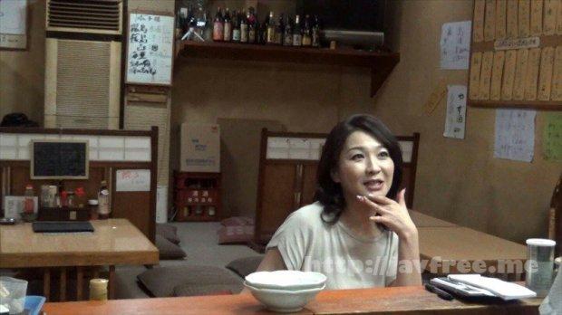 [HD][GIGL-644] 居酒屋盗撮 居酒屋で一人飲みしているおばさんは男にお持ち帰りされることを妄想しながらパンティを湿らせて酒を飲んでいる!