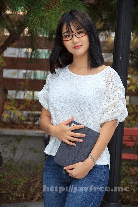 [HUSR-234] 韓国で見つけた彼女。眼鏡で隠した美貌と隠れ巨乳は揉んで良し!揺れて良し!見た目通りの従順さはどこまでヤラれても無垢な希少種!セボン&チェリン
