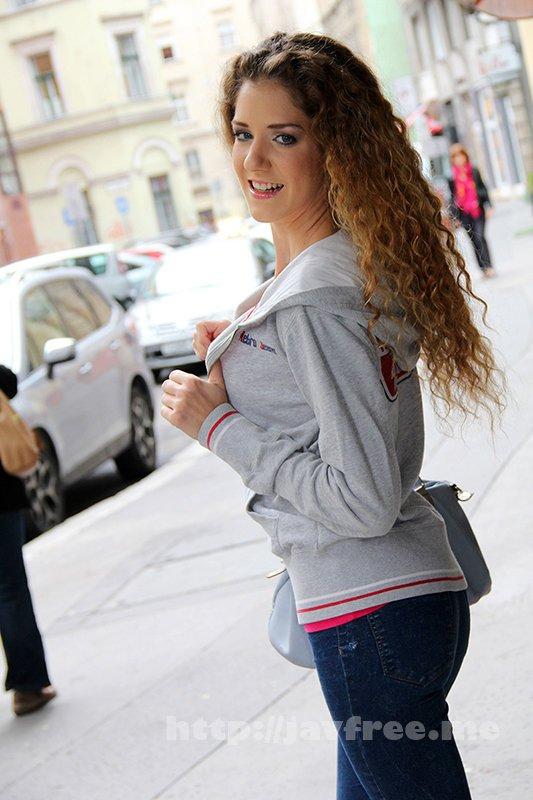 [HD][HUSR-243] オール金髪!しかも桁違いの美人!東欧SSS級美女と最高に気持ちいい生ハメセックス!10人4時間
