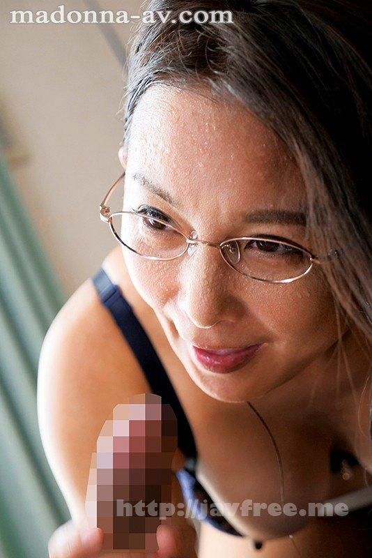 [HD][JUL-403] 真面目でお堅い友達の母・桃子さんは僕の金玉がすっからかんになるまで精液を絞り取るほどの超絶倫だった…。 一色桃子